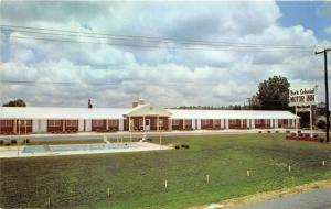 York South Carolina~York Colonial Motor Inn~Swimming Pool in Foreground~1960s Pc