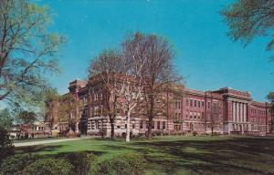 Mitchell Hall , University of Wisconsin , MILWAUKEE , WI , 50-60s