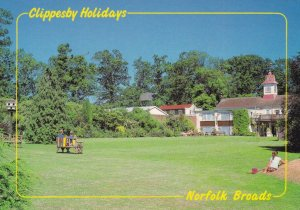Clippesby Holidays Visit The Norfolk Broads Great Yarmouth Advertising Postcard