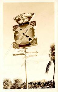 HI - Honolulu. Crossroads of the Pacific      *RPPC