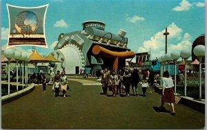 1964 NEW YORK WORLD'S FAIR Expo Postcard AUTOFARE Chrysler Auto Exhibit Bldg