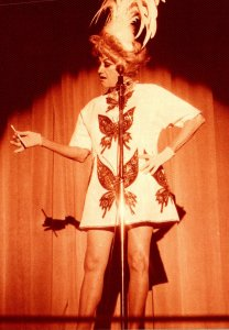 Nnevada Las Vegas The Sands Phyllis Diller On Stage 1975