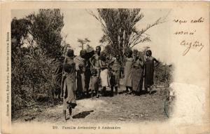 CPA Ambondro. Famille Antandroy. MADAGASCAR (625265)