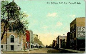 1912 FARGO, North Dakota Postcard City Hall & Northern Pacific Avenue *CREASED