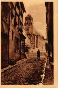 CPA LISIEUX - L'Église St-Jacques vue de la Rue aux Févres (516712)