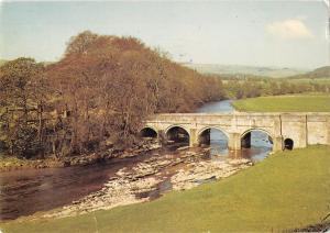 uk5459 bridge and river wharfe grassington  uk