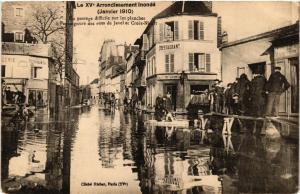 CPA Le XV arr. Inonde. Un passage difficile. Rue de Javel Croix-Nivert (562037)