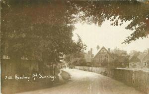 Berkshire UK C-1910 Sonning RPPC Photo Postcard Reading Road undivided 4182