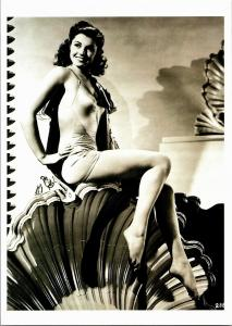 Esther Williams Cheesecake Publicity Photograph Postcard R03