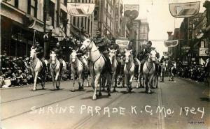 1924 Shriner Parade KNIGHTS COLUMBUS MISSOURI Real photo KANSAS CITY 4628