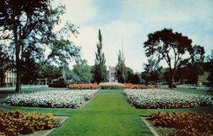 OK - Norman. University of Oklahoma, South Oval Flower Garden