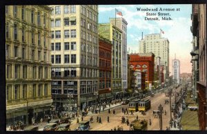 Michigan DETROIT Woodward Avenue at State Street Store Fronts, older Cars - DB