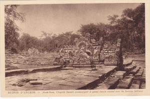CAMBODIA; Ruines D'Angkor, Chapelle faisant communique le grand bassin centra...