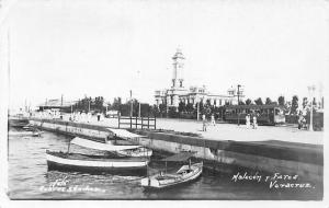 Mexico Veracruz Malecon y Faros Boats Tram Animated