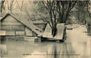 CPA PARIS Le Entrepots de vins et spiritueux a Bercy INONDATIONS 1910 (606202)