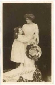 RP, Mrs. Lewis Waller & Daughter Hugging, 00-10s