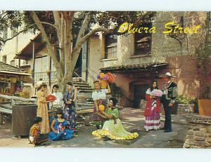 Pre1980 PRETTY MEXICAN GIRLS IN DRESSES ON OLVERA STREET Los Angeles CA Q0130