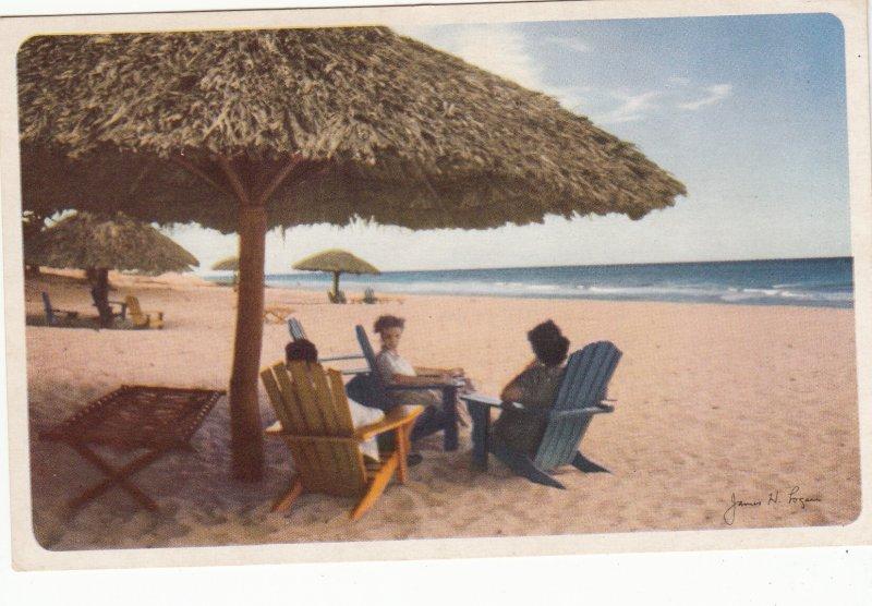 P1960 vintage cuba postcard people at beautiful varadero beach water etc unused