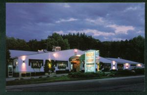 Hart's Turkey Farm Restaurant Gift Shop Night Scene NH Restaurant Postcard