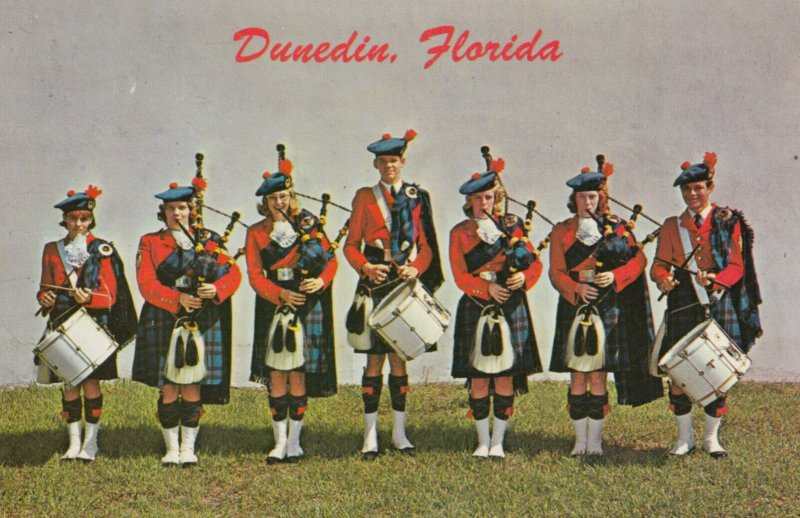 DUNEDIN , Florida , 1950-60s ; Din Pipe & Drum Corps