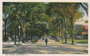 Pedestrian and Autos on East Avenue, Rochester, New York - pm 1915 - WB