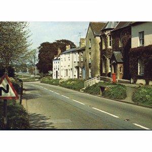 Dickinson Robinson Group Colour Postcard 'Lower High Street, Newnham, Glos.'
