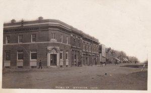 RP: WEYBURN , Saskatchewan , Canada , 00-10s; Third Street