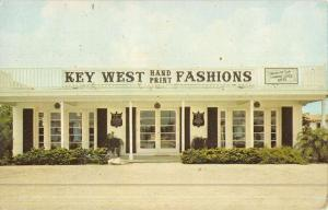 St Petersburg Florida Key West Fashions Street View Vintage Postcard K46197