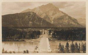 RP: BANFF , Alberta , Canada , 00-10s ; Village Entrance