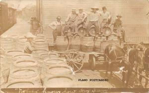 MENDOTA, ILLINOIS MENDOTA BREWERY STAFF AND BARRELS RPPC REAL PHOTO POSTCARD