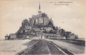 Mont-St-Michel Vue prise de la Digue