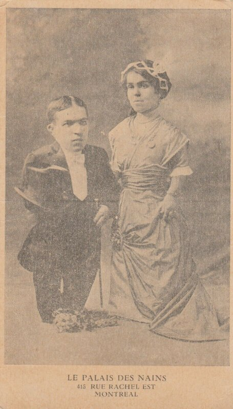 MONTREAL , Quebec , 00-10s ; Le Palais Des Nains , Midget Couple
