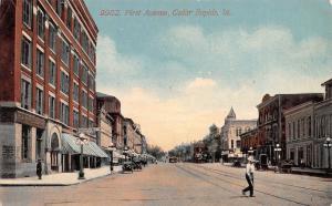 Cedar Rapids Iowa~Man Crosses First Avenue~Bank~Peoples Clothing~Bar~1914 PC