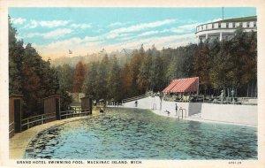LP69   Mackinac   Michigan  Postcard Grand Hotel Swimming Pool