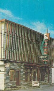 Hotel Menuet, 34 rue Notre Dame, Cap-Chat, Cte Gaspe nord, Quebec, Canada, PU...