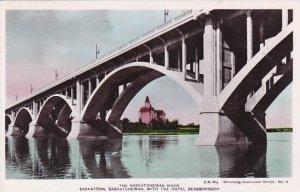 Canada Saskatchewan Saskatoon Saskatchewan River & Hotel Bessborough 1939...