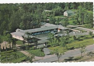 FORT FRANCES, Ontario, Canada, 50-60s; Rainbow Motel, Parking Lot