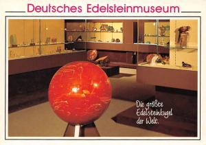 Idar Deutsches Edelsteinmuseum Die groesste Edelsteinkugel der Welt Jaspis