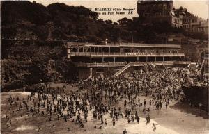 CPA BIARRITZ (Cote Basque) - Le Bain au Port Vieux (450381)