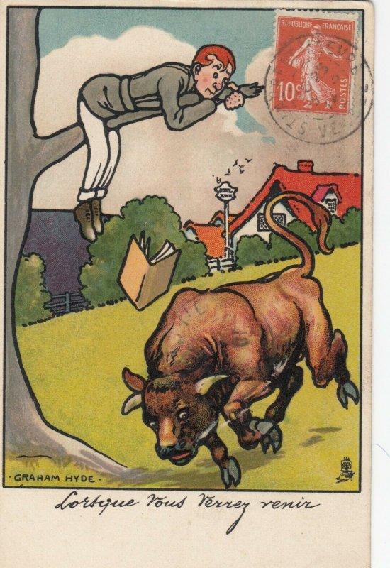 Man up tree, Bull running, PU-1914; AS; Graham Hyde, TUCK Serie 432