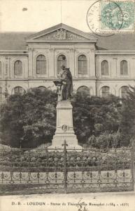 CPA Loudun - Statue de Théophraste Renaudot (111779)