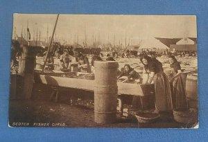 Vintage Postcard Scotch Fisher Girls     (J1A)