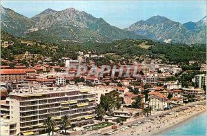 Postcard Moderne Menton (Alpes Maritimes) Carnoles In the foreground left Vic...