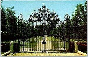 New Bern, North Carolina Postcard TRYON PLACE RESTORATION Palace Entrance