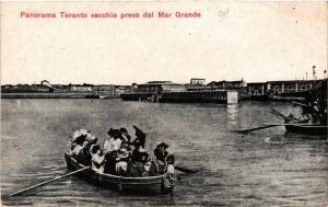 CPA AK Panorama TARANTO vecchio preso dal Mar Grande. ITALY (531618)