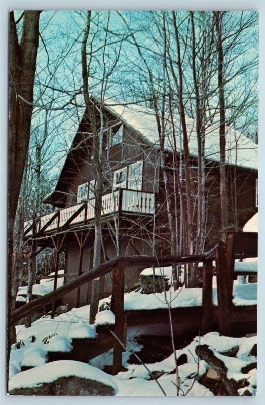 Postcard PA Lake Wallenpaupack White Beauty View Resort Winter View M13