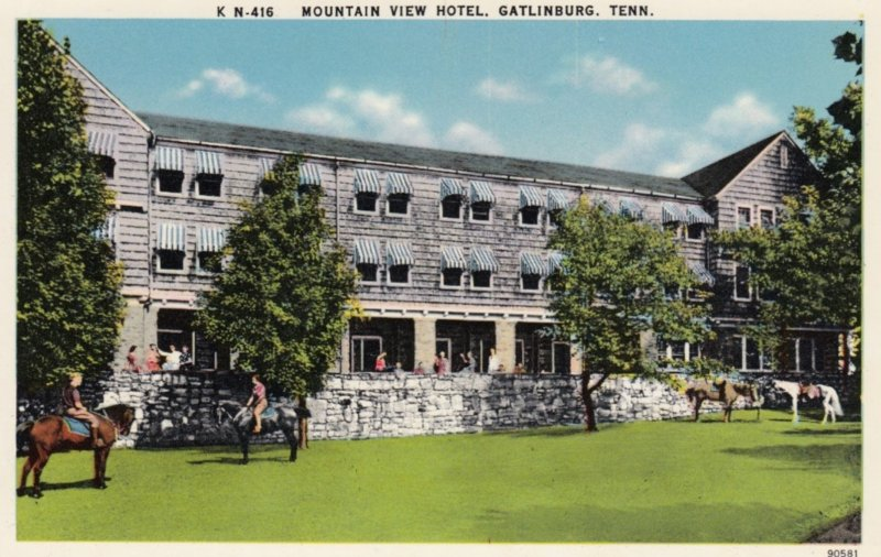 GATLINBURG , Tennessee , 1930s ; Mountain View Hotel