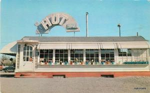 1950s The Hut Roadside Kalispell Montana Dexter Davis postcard 5777