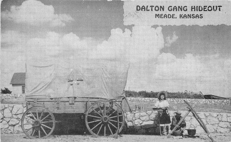 Covered Wagon Dalton Gang Hideout 1940s Postcard Raum 13085
