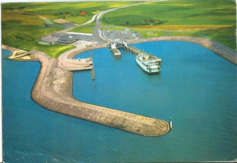 Netherlands, Texel, Aankomst veerboot vanuit de lucht, 1970s